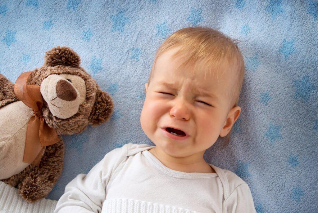 Bábätko nechce zaspať a plače